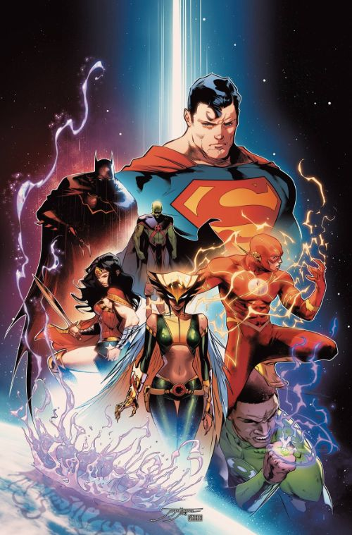 JUSTICE LEAGUE BY SCOTT SNYDER DELUXE EDITIONBOOK 01